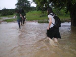 la piste reliant Dargo a Yaongo inonde a la saison des pluies